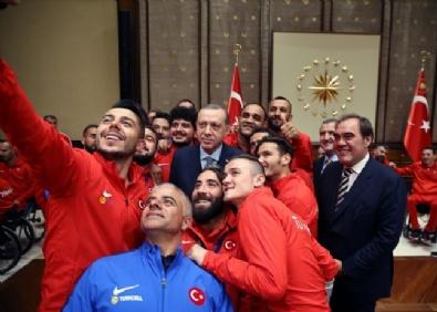 Cumhurbaşkanı Erdoğan Ampute Milli Takımı'nı Kabul Etti