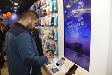 İstanbul Ve Ankara'da İphone X Kuyruğu