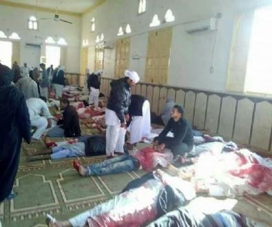 Mısır'da Camide Katliam
