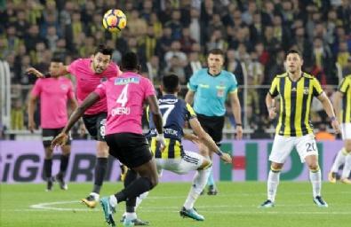 Fotoğraflarla Fenerbahçe - Kasımpaşa Karşılaşması...