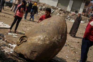 Mısır'da II. Ramsese Ait Olduğu Tahmin Edilen Bir Heykel Bulundu