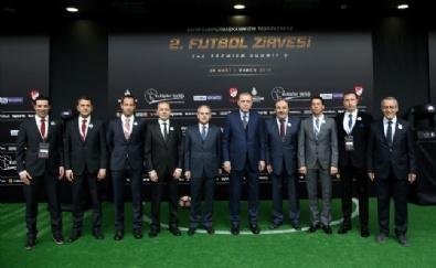 Cumhurbaşkanı Recep Tayyip Erdoğan, Haliç Kongre Merkezinde Uluslararası Futbol Zirvesine Katıldı