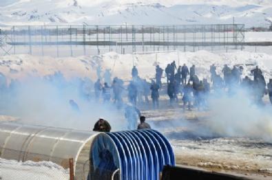 NEVRUZ - Nevruz Kutlamalarında Olaylar Çıktı