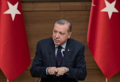 Cumhurbaşkanı Erdoğan, Cumhurbaşkanlığı Külliyesinde Anadolu Yayıncılar Derneği Üyeleriyle Bir Araya Geldi