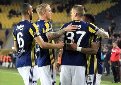 Fenerbahçe - Akhisar Belediyespor Karşılaşmasından En Güzel Fotoğraflar