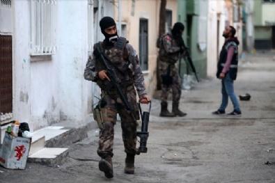 Adana'da Aranan Kişilere Yönelik Operasyon