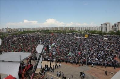 Diyarbakır'da 'Kutlu Doğum Haftası' etkinliği! Pankartlar dikkat çekti