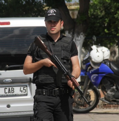 POLİS - 500 Polis İle Husumetli Ailelere Şok Baskın