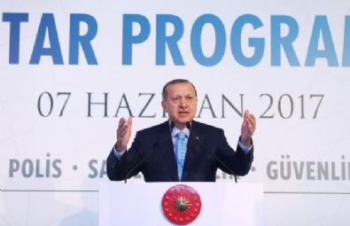 Cumhurbaşkanı Erdoğan Güvenlik Güçleriyle İftar Yaptı