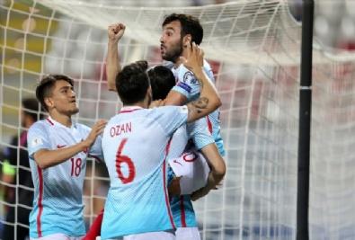 Türkiye - Kosova Maçından Kareler