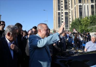 recep tayyip erdogan - Cumhurbaşkanı Recep Tayyip Erdoğan, Bayram Namazını Ataşehirdeki Mimar Sinan Camisinde Kıldıktan Sonra Gazetecilere Açıklamalarda Bulundu