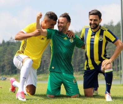 Fenerbahçe'nin Forma Tanıtımı Yapıldı