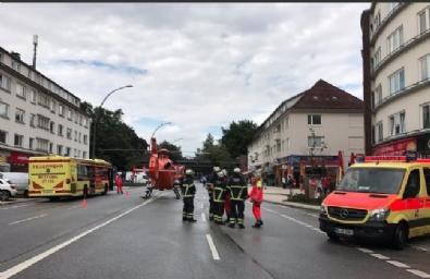 HAMBURG - Almanya'da Bıçaklı Saldırı