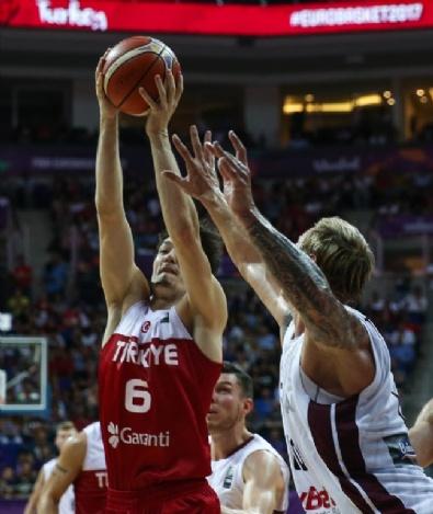 Türkiye-Letonya Euro Basket Karşılaşmasından en güzel kareler
