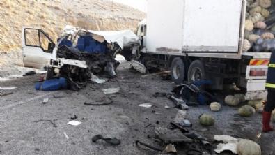 Van'da Korkunç Kaza! 8 Ölü, 2 Yaralı