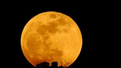 Süper Mavi Kanlı Ay Büyüledi