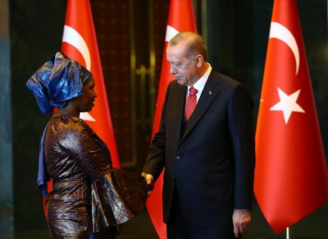 cumhurbaskanligi - Cumhurbaşkanı Erdoğan tebrikleri kabul etti