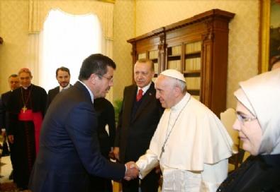Cumhurbaşkanı Erdoğan İle Papa Franciscus Bir Araya Geldi