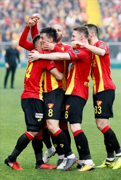 6 gollü Göztepe - Osmanlıspor maçı nefes kesti!