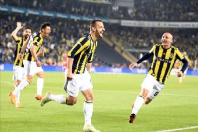 Fotoğraflarla Fenerbahçe-Antalyaspor Karşılaşması