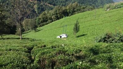 Trabzonda Otomobil Çay Bahçesine Uçtu: 1 Ölü