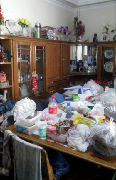Yatalak Oğlunun Çeyizi İçin 10 Kamyon Çöp Biriktirdi