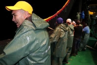 Balıkçılar Vira Bismillah Dedi Kasalar Hamsiyle Doldu