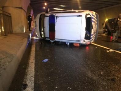Dur İhtarına Uymayan Sürücüyü Kovalayan Polis Aracı Kaza Yaptı
