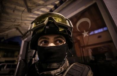 İstanbulda 2 Ton Esrar Ele Geçirildi