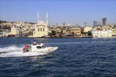 Kadın Komandolar İstanbul Boğazına Halatla İndi
