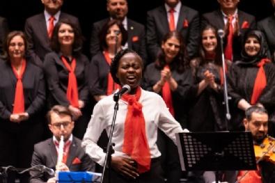 Üniversiteli Yabancı Öğrencilerden Türkçe Konser