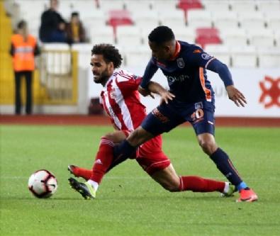 Sivasspor - Başakşehir Maçından Kareler