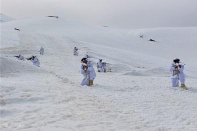Karlı Dağların Zirvesini Yuva Yapan Mehmetçikten Vatan Savunması