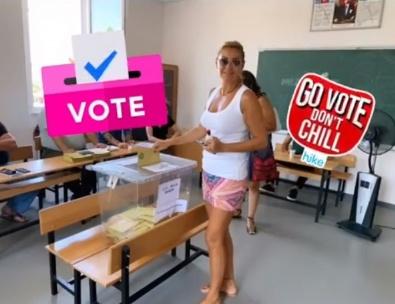 Ünlüler böyle oy kullandı (23 Haziran 2019 seçimleri)