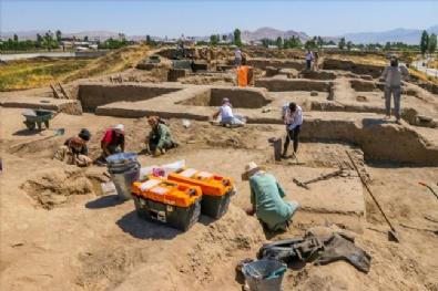 Urartuların En Büyük Kenti Eski İhtişamına Kavuşturuluyor