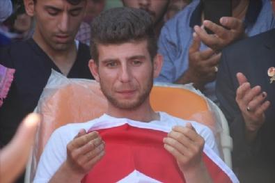 İki Bacağını Kaybeden Gaziyi Yüzlerce Kişi Karşıladı