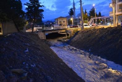 Antalyada Ceviz Büyüklüğünde Dolu Yağdı