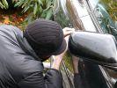 Oto hırsızı samanlıkta yakalandı