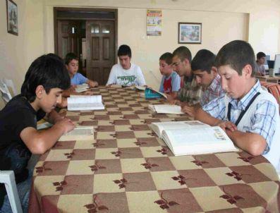 KAŞAĞı - Öğrenciler Türkçe Kitapları Tercih Ediyor