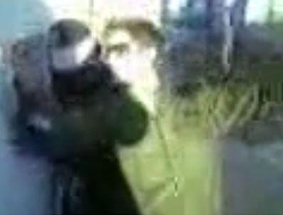 KESHA - İsrail askeri Filistinli tutsak kadının etrafında göbek atıyor