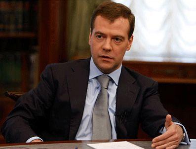 RUSYA DıŞ İSTIHBARAT SERVISI - Medvedev: Olaylardan ders çıkarılmalı