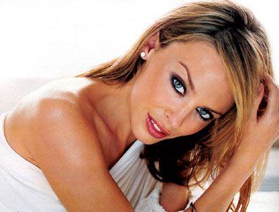 KYLIE MINOGUE - Kylie Minogue'a model sevgilisinden büyük şok