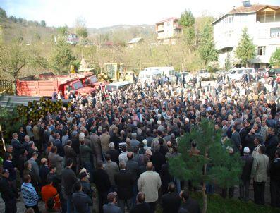 YENER YıLDıRıM - Eski Hatipli Belediye Başkanı Kalbine Yenildi