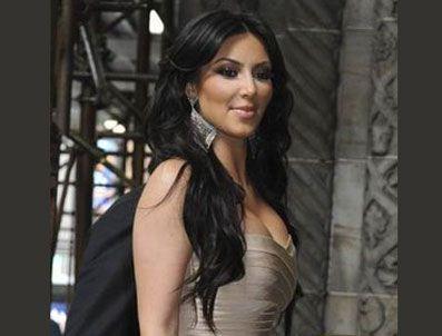 JESSE JAMES - Kim Kardashian Başkan Obama'ya fark attı