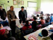 Gölbaşı Kaymakamlığı 6 Bin 500 Öğrenciye Kırtasiye Yardımında Bulundu