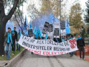 Dolmabahçe'de Polis Ve Üniversite Öğrencileri Birbirine Girdi