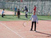 Marmaris'te Ücretsiz Tenis Kursu