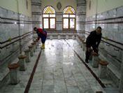 Belediyeden Camilere Temizlik Operasyonu