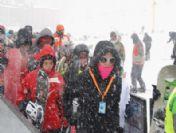 Kar Ve Tipi Uludağ'da Kayakçılara Zor Anlar Yaşattı