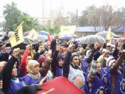 AK Parti binası önünde eylem yapan işçiler serbest bırakıldı